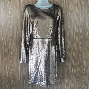 Charlotte Russe Sequined dress. Size: M 🌸🌸.- (A)